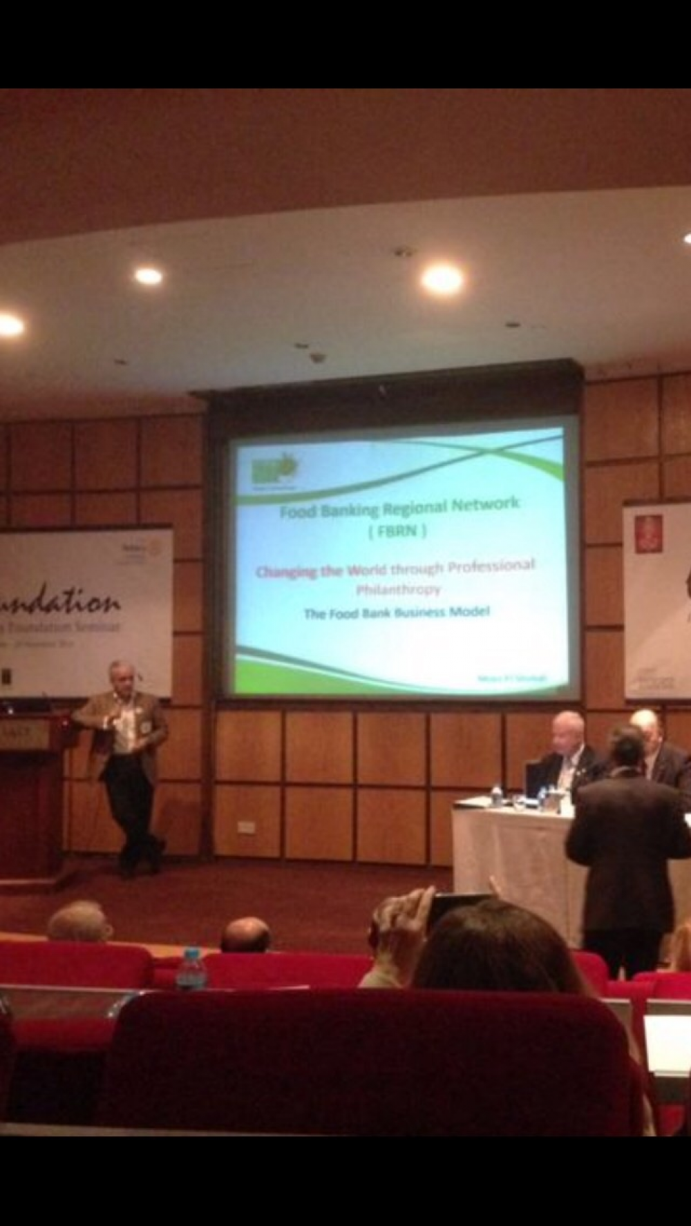 Food Banking Model in the 2452 Rotary District Conference in Amman